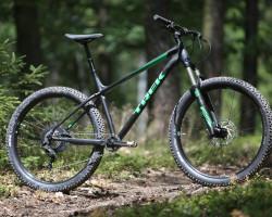 Trek Roscoe 9  17.5  Matte Trek Black, green