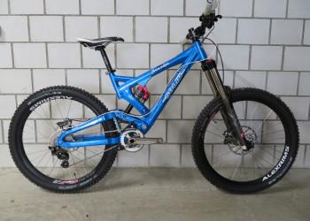 NEU Downhill Bike Solid Mission 7